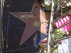 Звезда Майкла Джексона на Голливудской аллее славы